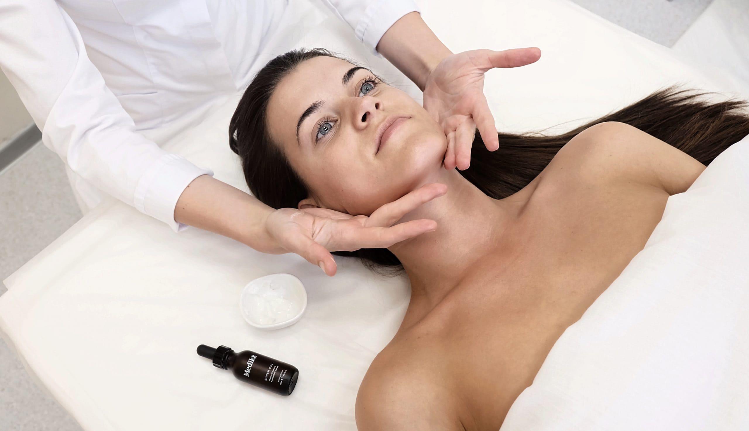 JETPEEL – veido odos procedūra, skirta jautriai, linkusiai į raudonį odai